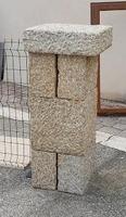 Pilier granit façonnage sur mesure